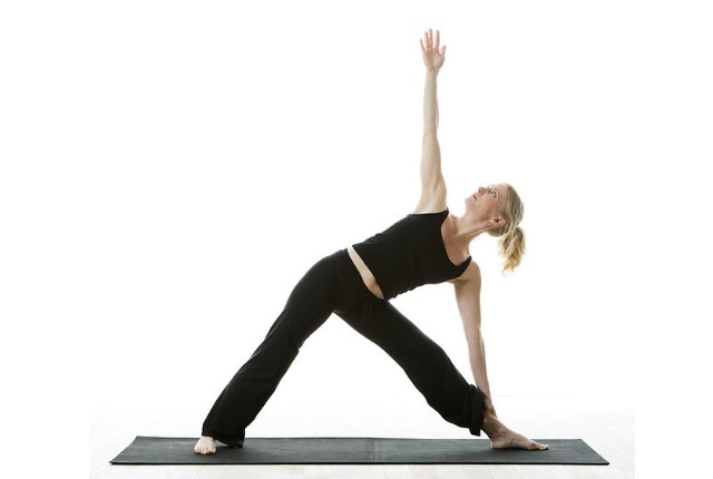 personal-yoga-trainer-classes-at-home-in-delhi/